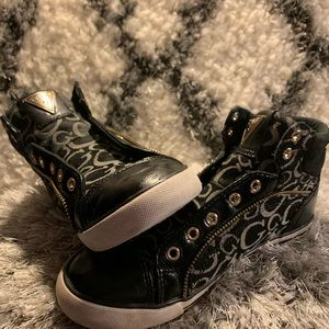 🔥GUESS low tops black fabric with leather accents